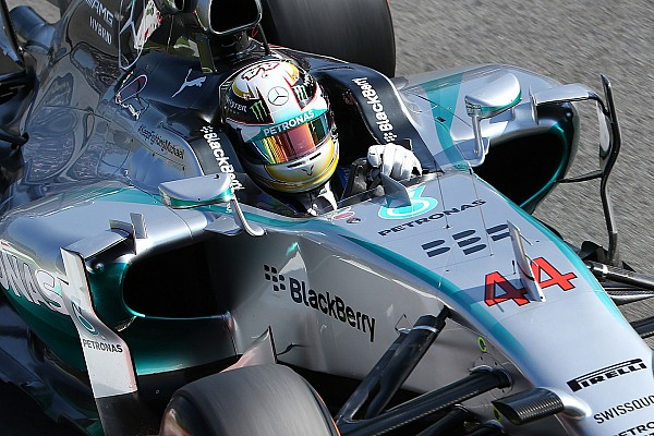 Hamilton takes over at the top in FP2 as Maldonado crashes
