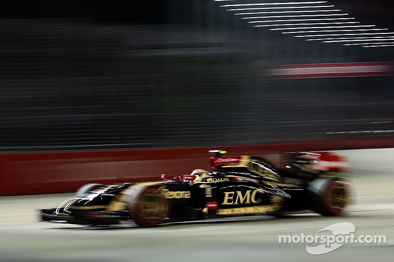 With Grosjean directly behind him, Maldonado finishes 12th in the Singapore GP