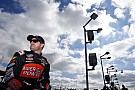 Regan Smith renews with JR Motorsports