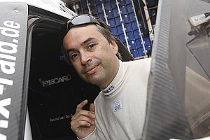 Ricardo Leal dos Santos in the Dakar with the new Nissan V8