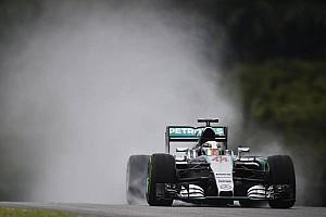 """Lowe hails """"fantastic"""" Hamilton pole, set on """"trial lap"""""""