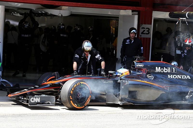 Fernando Alonso abandonó la carrera