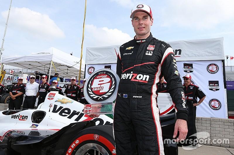 Power se lleva la pole position en Detroit