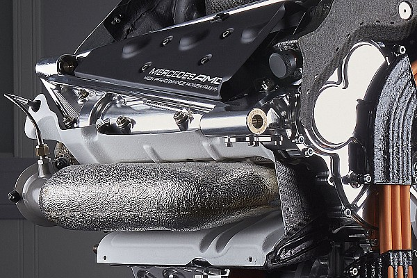 Mercedes holds fire on F1 engine tokens