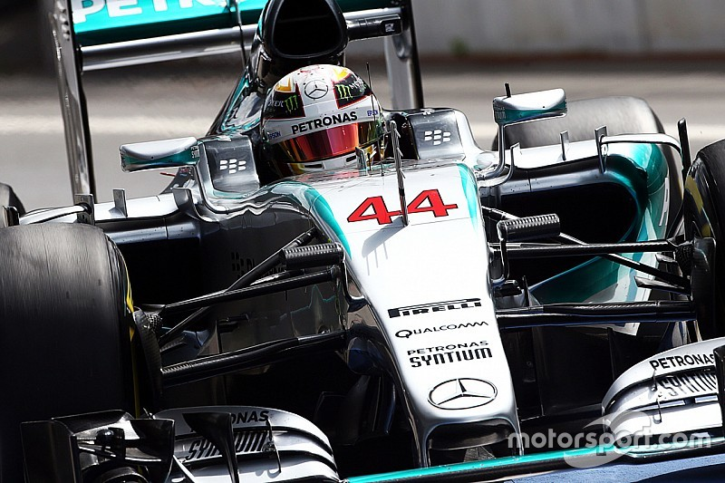 Hamilton confirms switch to Bell helmet