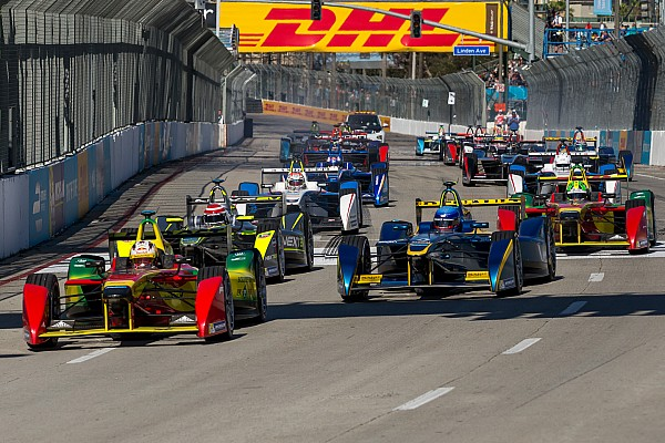 10 teams to register for the second Formula E season