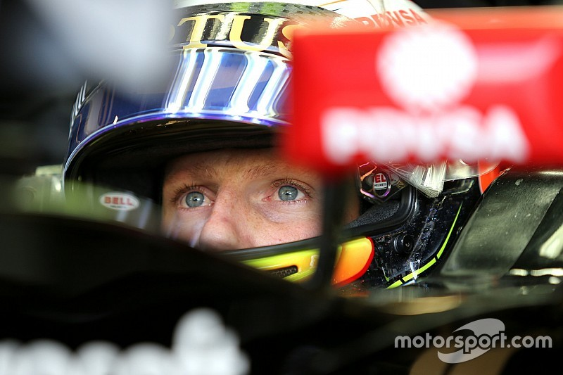 Lotus culpa a Ricciardo tras el doble abandono en Inglaterra