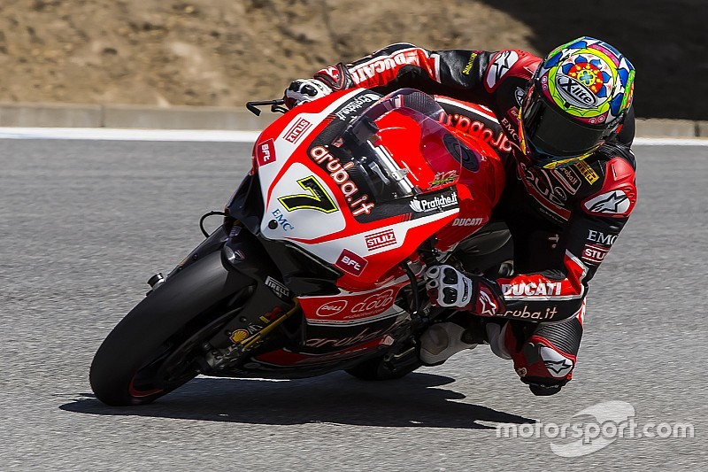 Chaz Davies leaves nothing to chance and wins Race 1 at Laguna