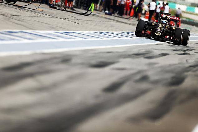 مُعاقبة رومان غروجان وإرجاعه الى المركز العاشر لسباق ماليزيا