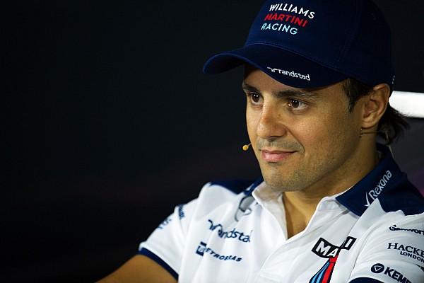 De contrato renovado, Massa comemora ano