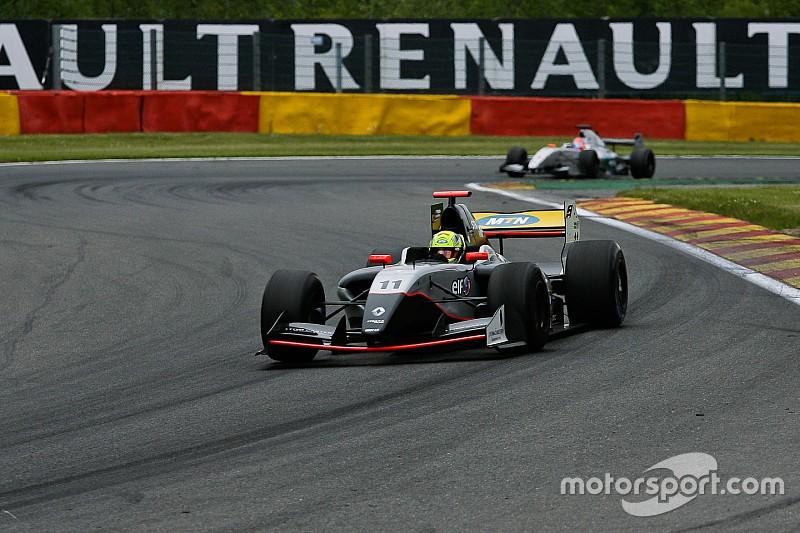 إليناس يحقق فوزه الأول في الفورمولا رينو 3.5