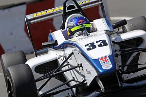 سباقات المقعد الأحادي الأخرى أخبار عاجلة هاريسون نيوي يُحقّق فوزه الأوّل في بطولة الفورمولا 4 البريطانيّة