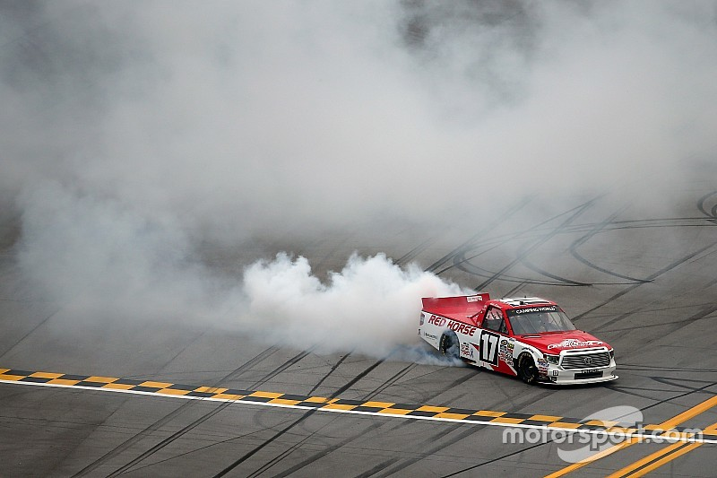 Timothy Peters goes back-to-back at Talladega