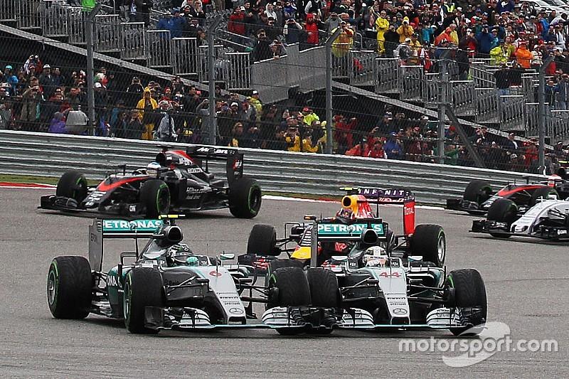 Mercedes plant gesprek met Hamilton over rijstijl