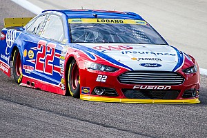 NASCAR Sprint Cup Breaking news Logano cuts tire, heads to the garage early at Texas