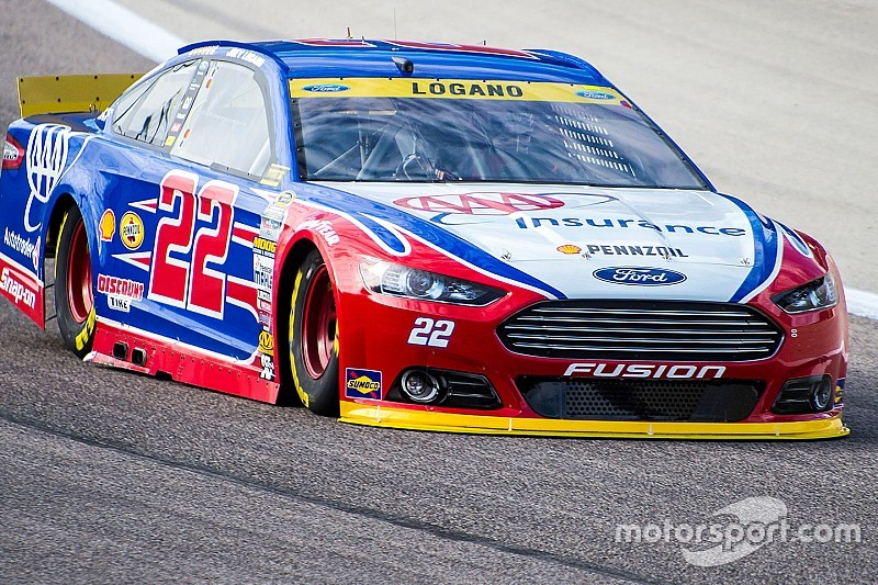 Logano cuts tire, heads to the garage early at Texas
