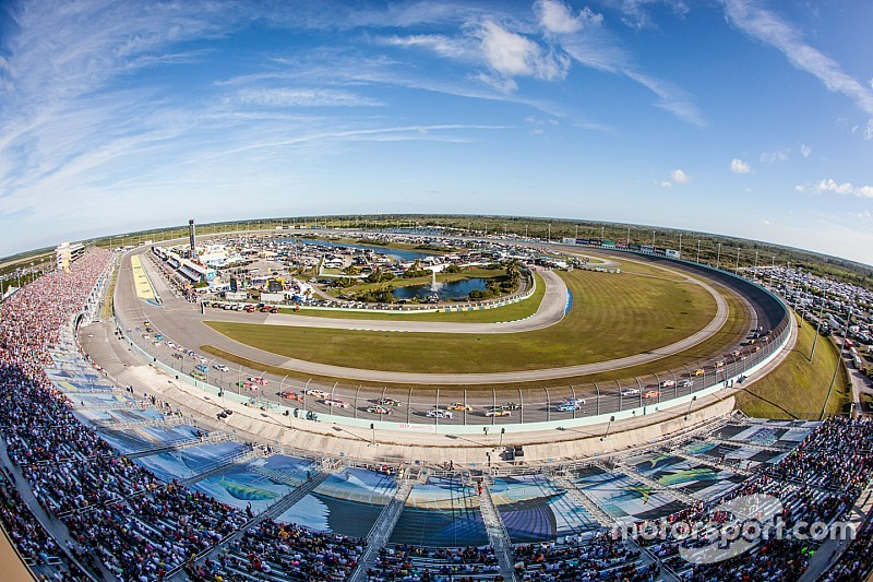 NBC/NBCSN to offer dual coverage of Sprint Cup finale