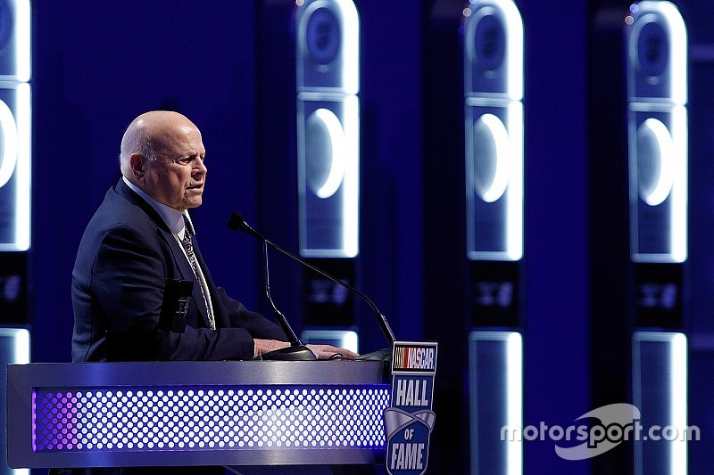 SMI Chairman Bruton Smith interested in buying Carolina Panthers