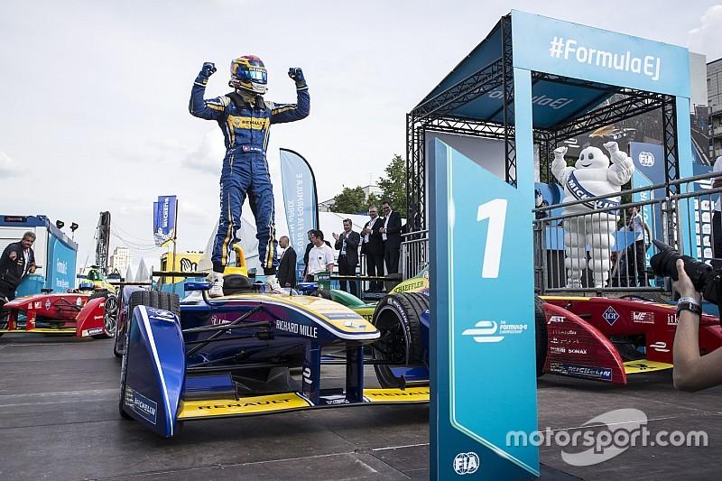 フォーミュラE第3シーズン、エントリー10チームを発表