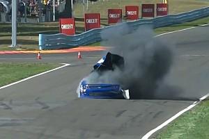 NASCAR XFINITY Noticias de última hora Extraña explosión de un coche en la NASCAR