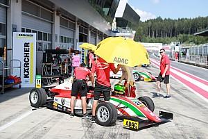 F4 BRÉKING Mick Schumacher élete versenyét futotta az F4-ben: a 33.helyről indult és 11. lett!