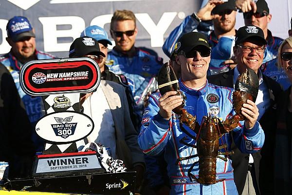 NASCAR Sprint Cup Résumé de course Victoire surprise de Harvick au New Hampshire