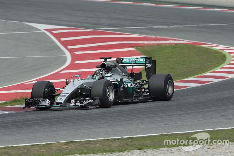 Kaum Erkenntnisse bei Mercedes-Test der Pirelli-Breitreifen für 2017