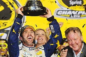 NASCAR Sprint Cup Relato da corrida Johnson faz história e é campeão da NASCAR pela sétima vez