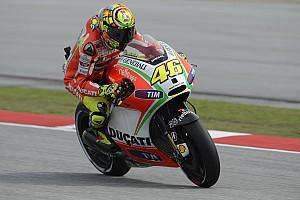 MotoGP Últimas notícias Lorenzo diz que não pensa no desempenho de Rossi na Ducati