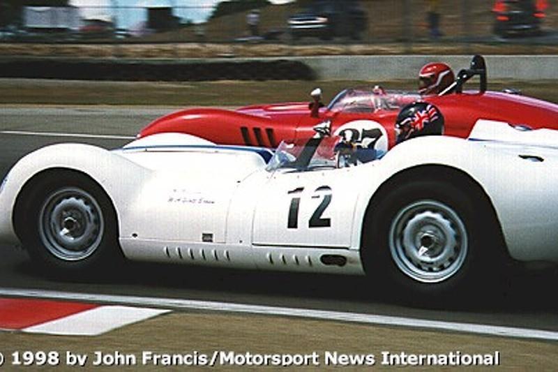 1958 Lister-Jaguar, 1959 Lister-Corvette (turn 5)