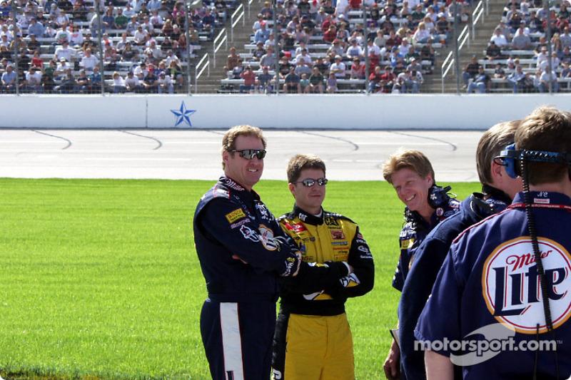 Rusty and Ward Burton talking before qualifying
