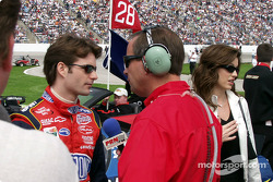 Jeff Gordon does a pre-race interview