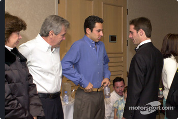 Helio Castroneves and his parents with Felipe Giaffone