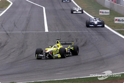 Jarno Trulli in font of Juan Pablo Montoya
