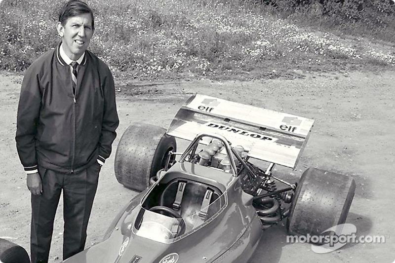 Ken Tyrrell presenting the Tyrrell001