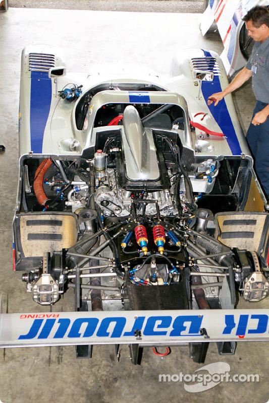 Barbour 675 engine bay