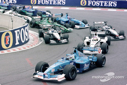 First start: Giancarlo Fisichella in front of Jacques Villeneuve