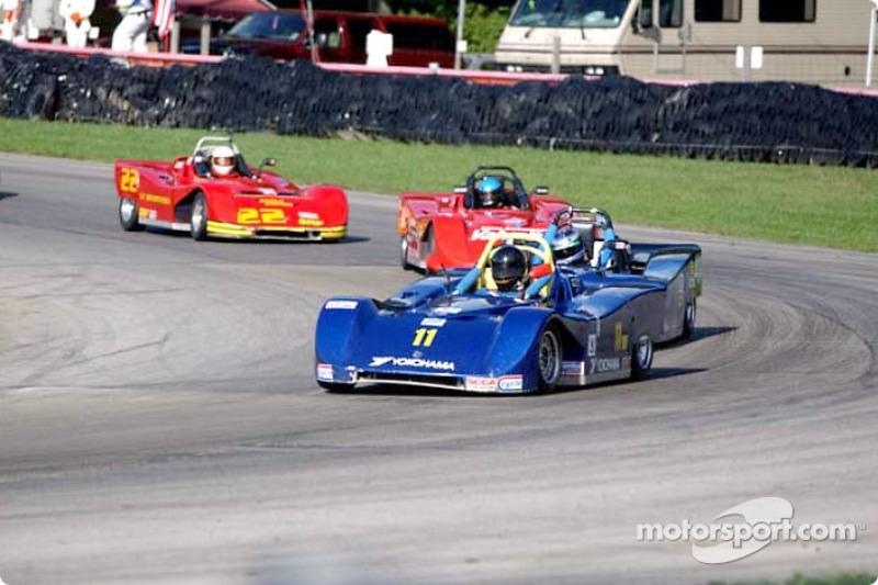 Race 15, Spec Racer Ford: Brent Waltz leading the field