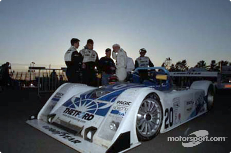 The Dyson Racing Team considers throwing in the towel when trouble strikes