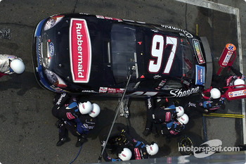 Kurt Busch gets service from the Roush Racing crew