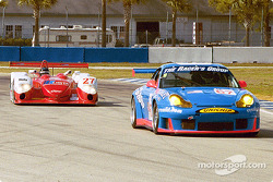 The Racer's Group Porsche GT3 R and Doran Lista Dallara-Judd