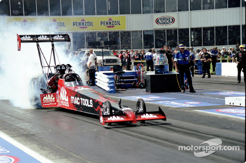 Doug Kalitta burns rubber