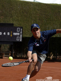 Felipe Massa playing tennis