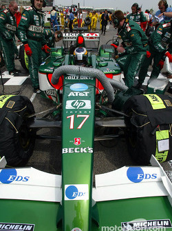 Pedro de la Rosa on the starting grid