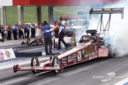 Joe Amato-owned dragster