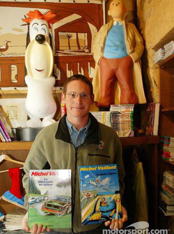 Gunnar Jeannette visiting the town of Le Mans: Gunnar with a few Michel Vaillant books