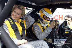 Pop signer Kim Wilde hitching a DTM ride with Michael Bartels