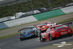 #1 Toyota Supra, Hironori Takeuchi, Yuji Tachikawa, #87 Mercedes-Benz CLK, Koji Yamanishi, Yudai Igarashi