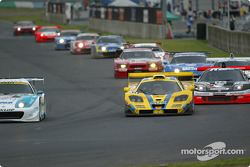 #30 McLaren F1 GTR tried to pass #35 Toyota Supra