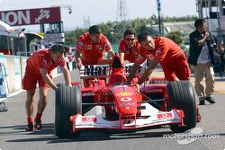 Team Ferrari back from technical inspection